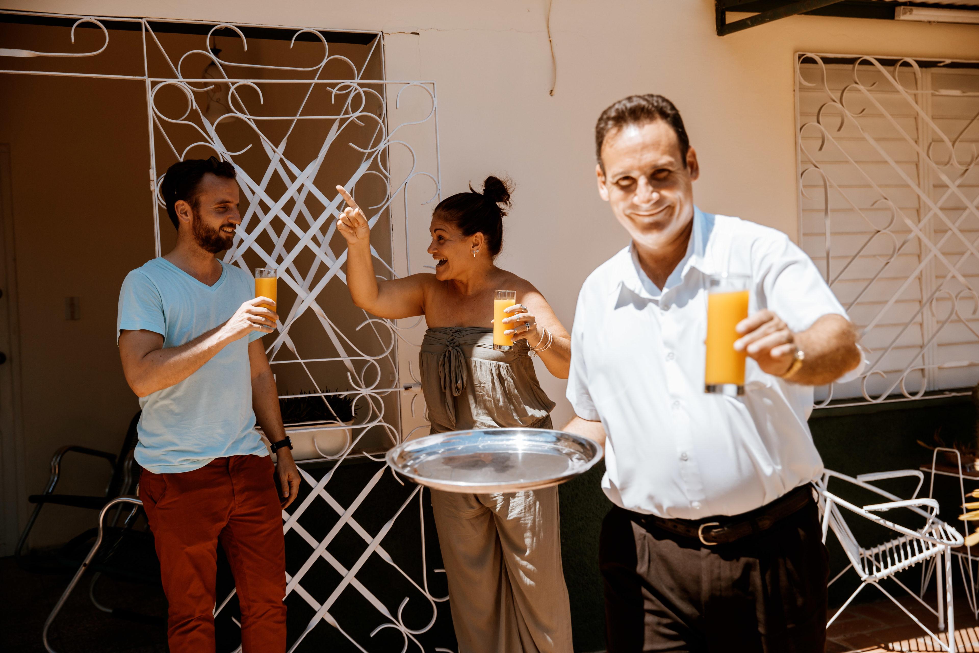 Die Gastgeber begrüßen Ihren Gast in Kuba