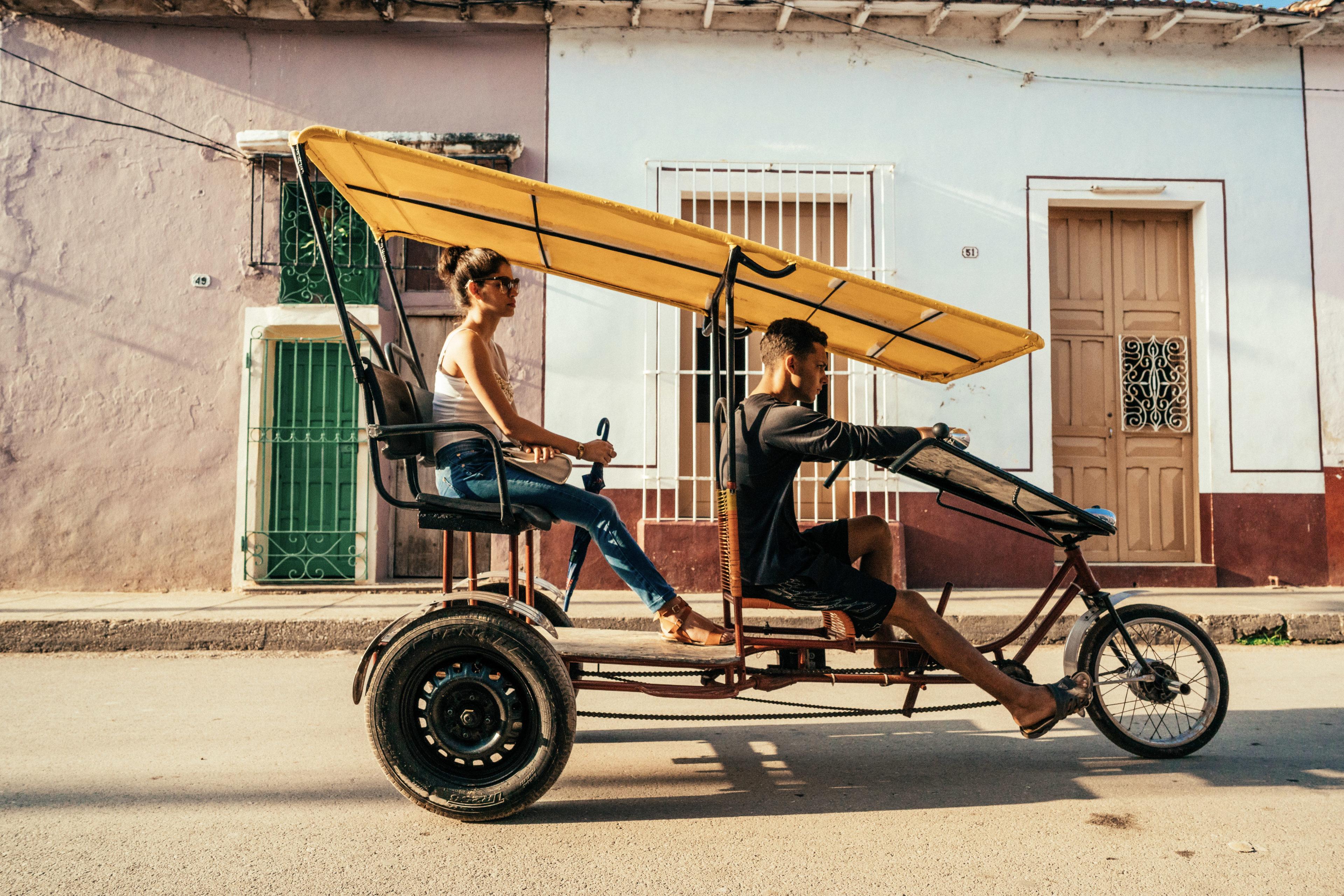Stadttouren mit dem Fahrradtaxi in Kuba