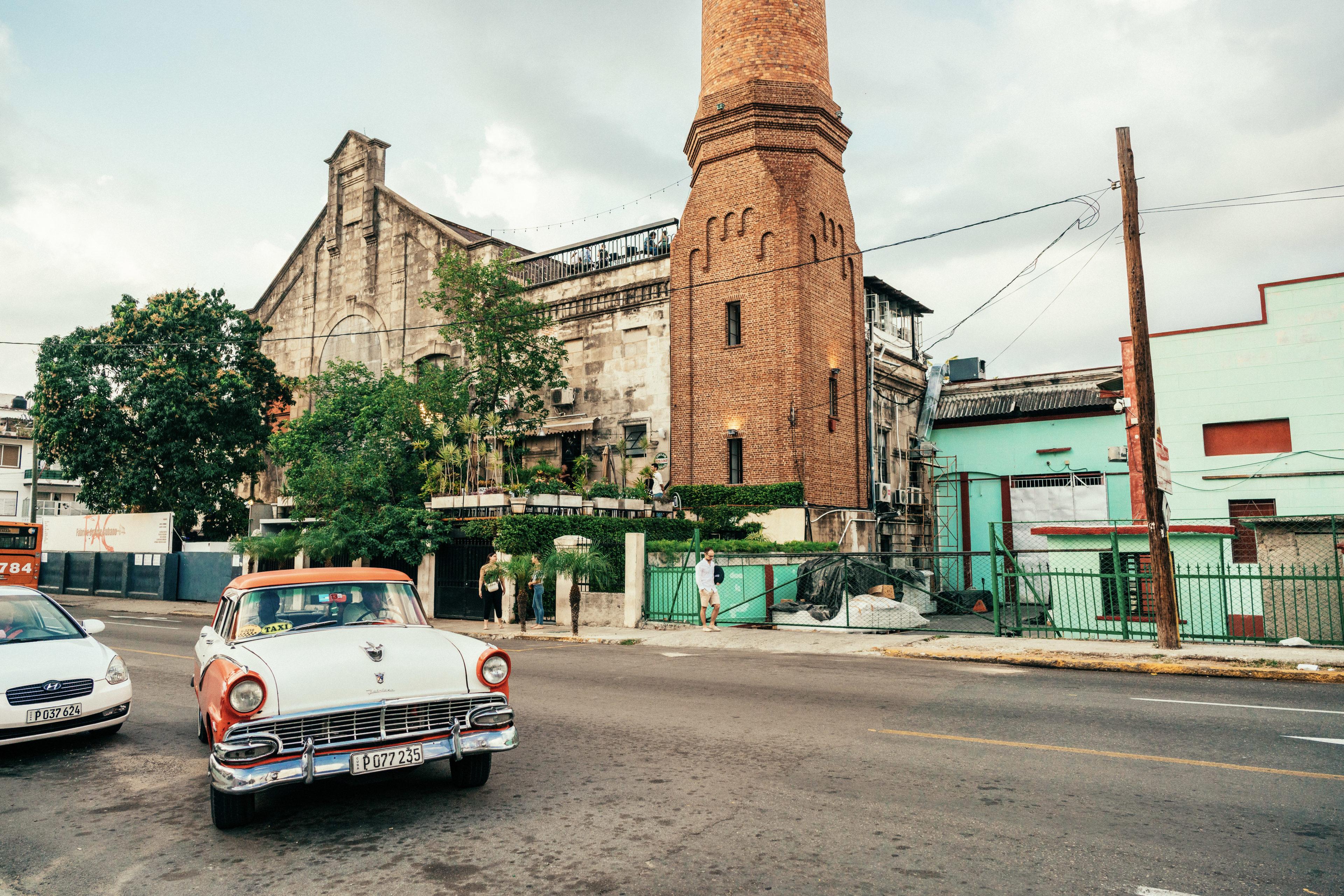 Blick auf Fabrica de Arte Cubano