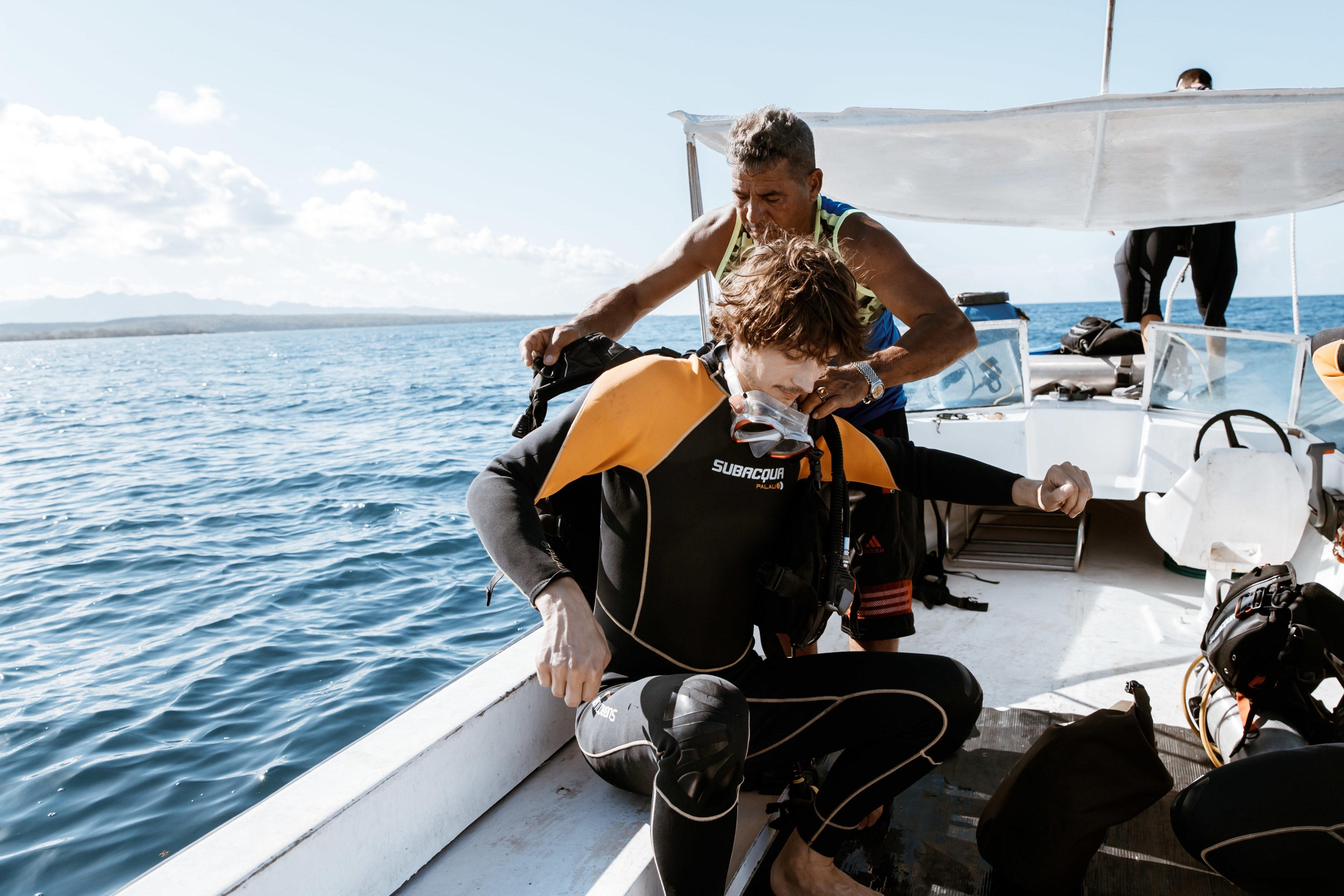 Taucher auf Boot