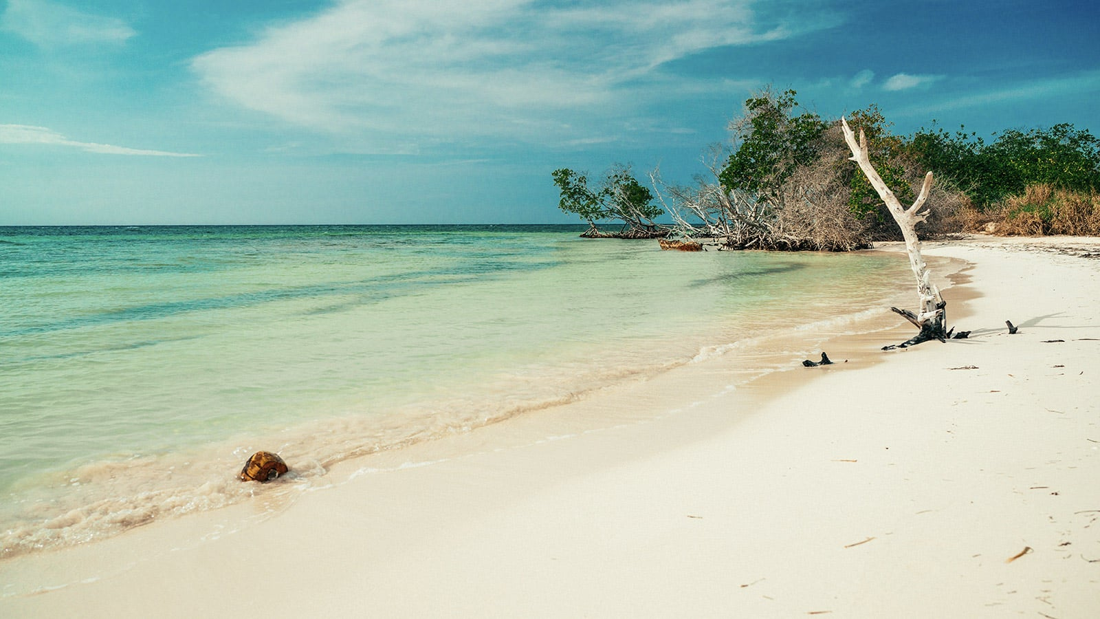 Einsamer Strand in Kuba