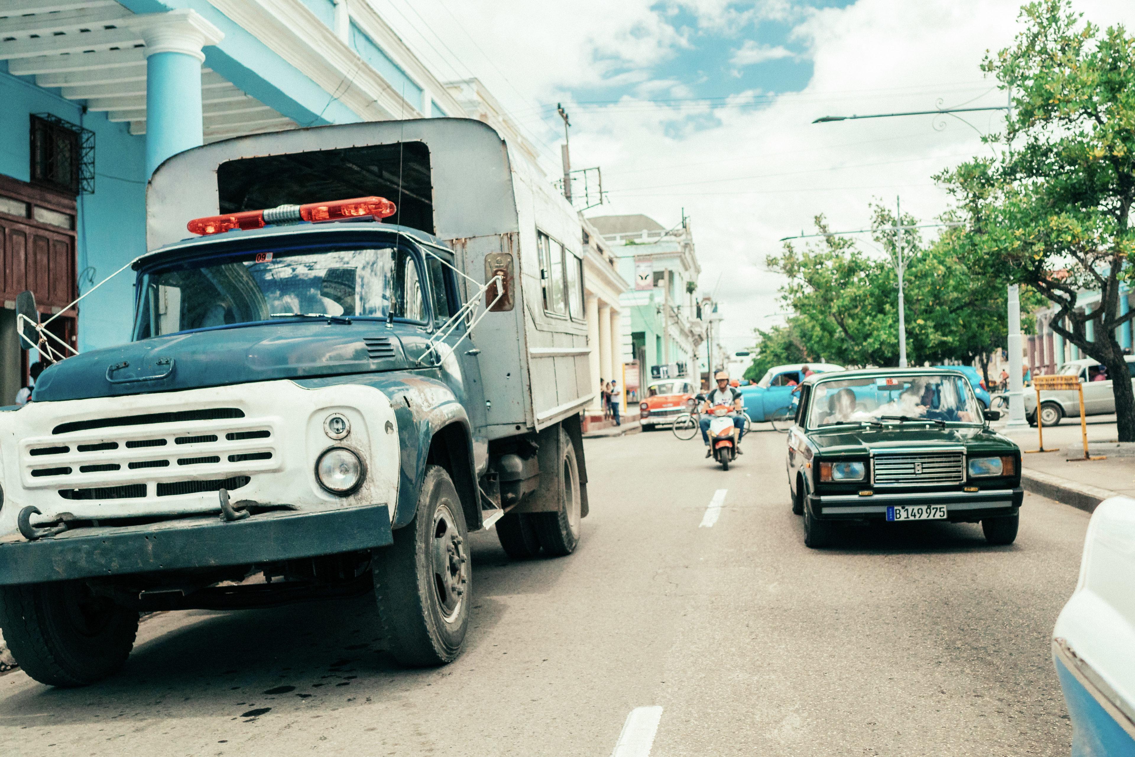 typischer LKW für Personentransport